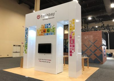 Flashbay - Sleek 20x20 Island trade show exhibit